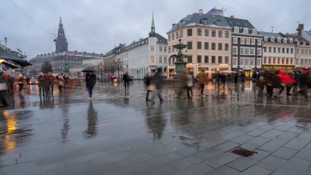 Time-lapse van voetgangers overvolle Stroget winkelstraat in Kopenhagen Denemarken