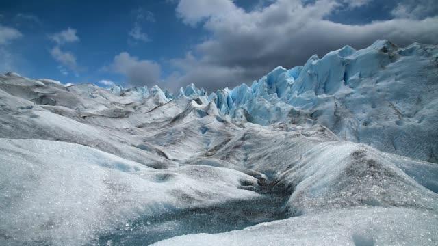 timelapse des perito moreno gletschers - argentinien stock-videos und b-roll-filmmaterial