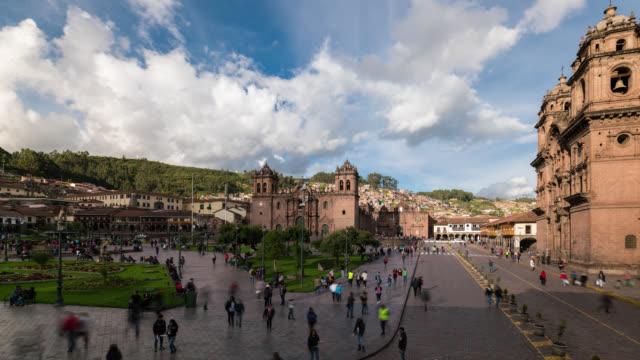 timelapse of plaza de armas in cusco - マチュピチュ点の映像素材/bロール