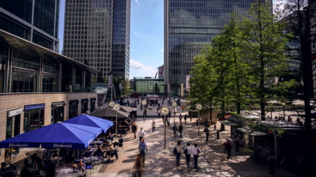 Timelapse of Reuters Square in Canary Wharf (London) during office hours