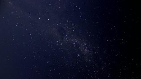 timelapse av stjärnor med södra korset - kors religiös symbol bildbanksvideor och videomaterial från bakom kulisserna