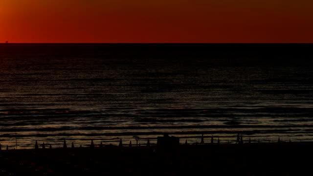 vidéos et rushes de timelapse du lever du soleil sur la mer adriatique - italie - pjphoto69