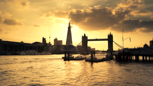 Time-lapse of Sunset behind Tower Bridge and Shard building