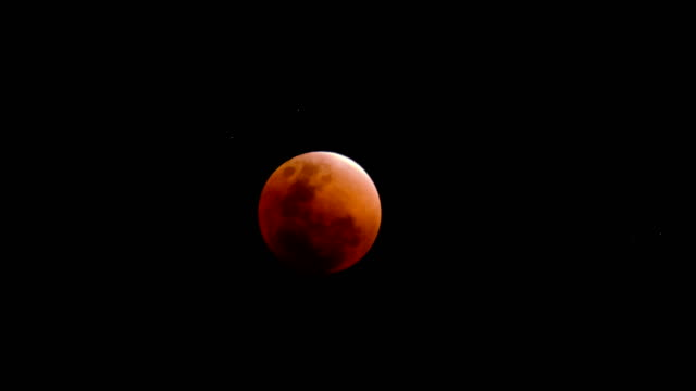 time-lapse of super blue blood moon january 31, 2018: complete lunar eclipse coverage - month stock videos & royalty-free footage