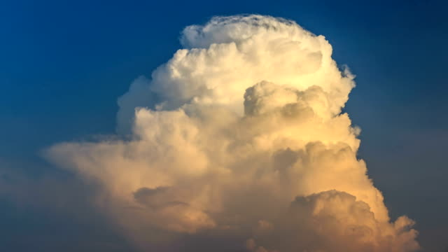 stockvideo's en b-roll-footage met timelapse van de wolk - cumulus
