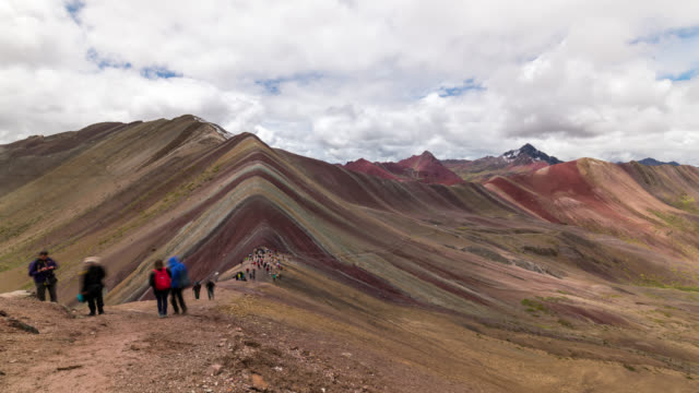 timelapse of the famous rainbow mountains - arcobaleno video stock e b–roll