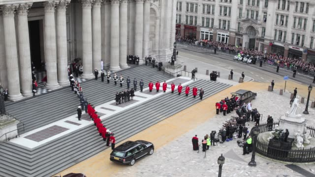 timelapse of the funeral cortege carrying the coffin of former british prime minister margaret thatcher departs st paul's cathedral on april 17 2013... - prime minister of the united kingdom stock videos and b-roll footage
