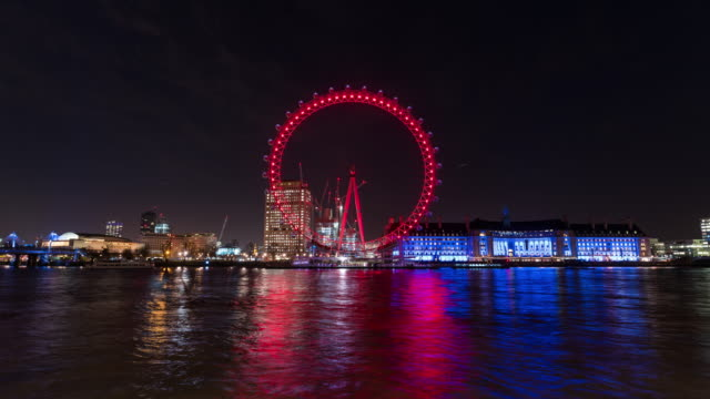 vídeos y material grabado en eventos de stock de london: timelapse of the london eye at night - rueda del milenio