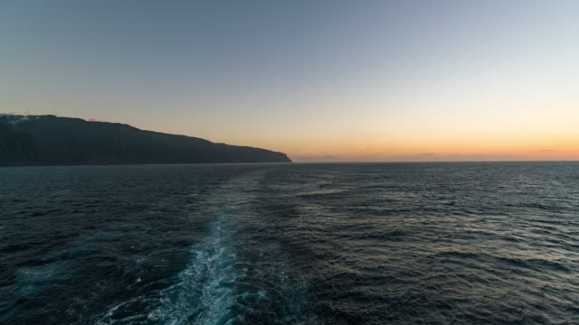 KAUAI - TimeLapse of the Sunset from the back of a Cruise