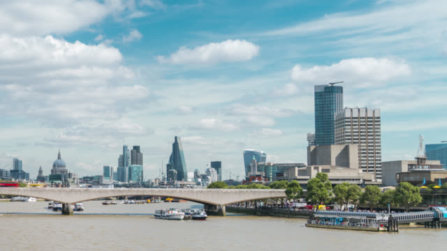 LONDON - Timelapse of the Thames looking the London Skyline