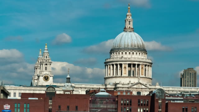 time-lapse of the top of st. paul's cathedral in london. - dome stock videos & royalty-free footage