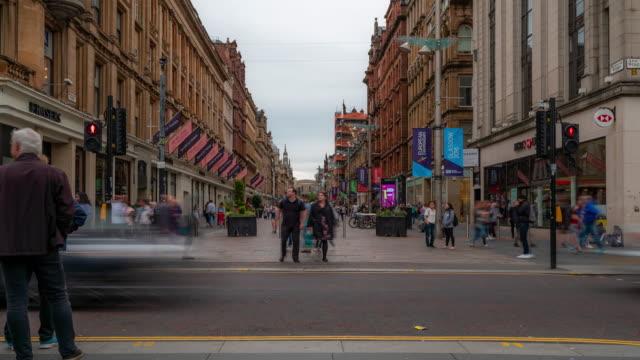 グラスゴースコットランド英国の観光ペデスティアン混雑ブキャナンショッピングストリートのタイムラプス - スコットランド グラスゴー点の映像素材/bロール