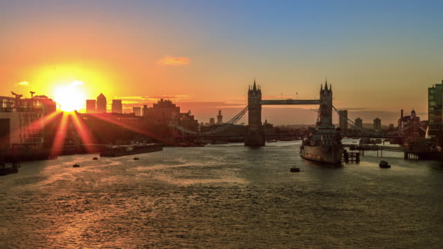4K timelapse van Tower Bridge, Sunrise in Londen