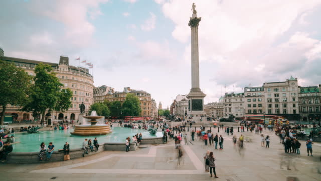 Timelapse of Trafalgar Square in London from the North Terrace