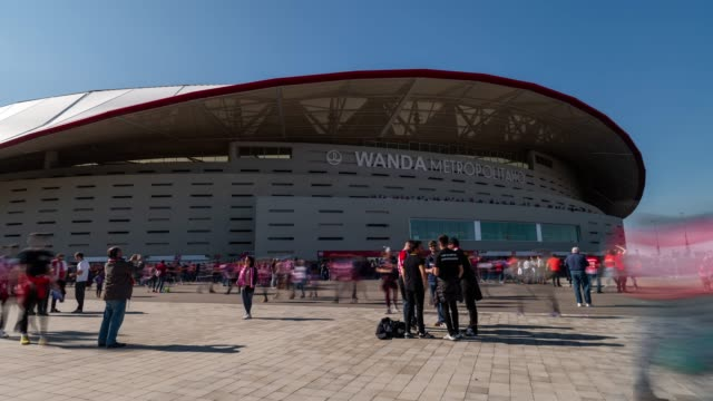 Time-lapse of Wanda Metropolitano Stadium before a match