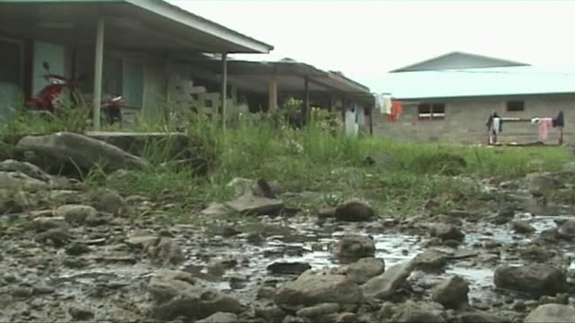 timelapse of water seeping up through the ground in tuvalu due to high tides 2008 - south pacific ocean stock videos & royalty-free footage