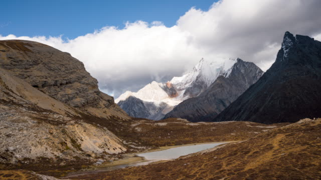 timelapse of yading - cirrocumulus stock videos & royalty-free footage