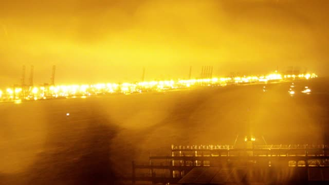 vídeos y material grabado en eventos de stock de timelapse on board cma cgm sa's benjamin franklin container ship arriving at the guangzhou nansha container port at night in the rain in guangzhou... - benjamín franklin