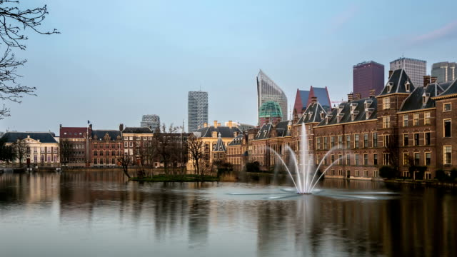 hd time-lapse panning: binnenhof, house of parliament, hague netherlands sunset - binnenhof stock videos and b-roll footage