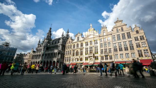 Time-lapse panoramique: piéton de la ville au Grand Place Bruxelles Belgique