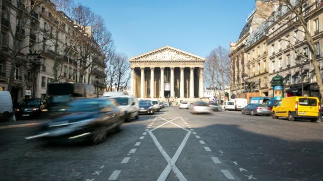 4K Time-lapse: Pedestrian crowded at Madeleine Church, Paris