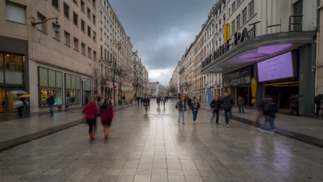 Time-lapse: Pedestrian Crowded at Republique shopping street Lyon France