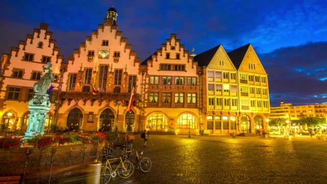 4k time-lapse: pedestrian crowded at romerberg town square frankfurt germany - rathaus stock videos & royalty-free footage
