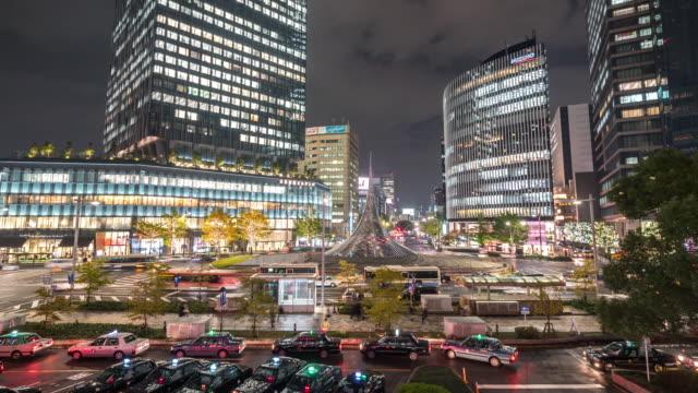 Time-lapse: Fotgängare vid Nagoya centralstation på natten Chubu Japan