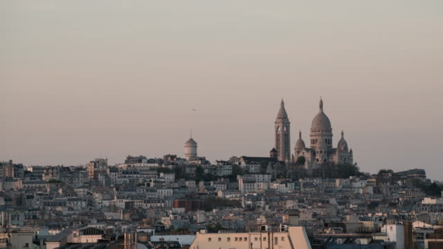 time-lapse sacre coeur in paris. - basilique du sacre coeur montmartre stock videos & royalty-free footage