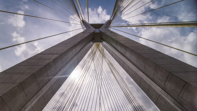 timelapse sao paulo - estaiada bridge - brücke stock-videos und b-roll-filmmaterial