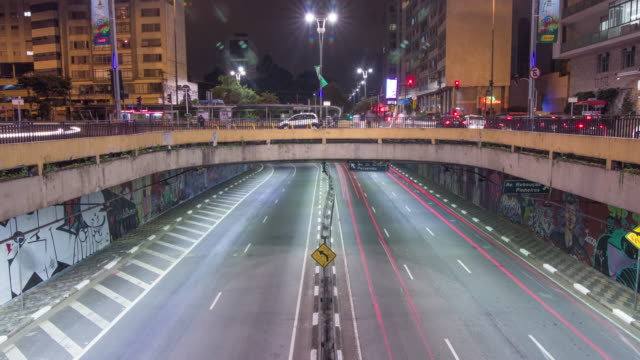 timelapse sao paulo - paulista avenue - road signal stock videos & royalty-free footage