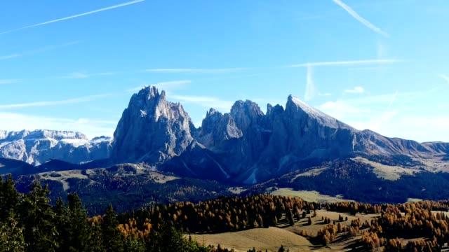 Timelapse Seiser Alm (Alpe de Siusi) in den Dolomiten Alpen, Italien