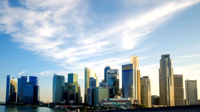 Time-lapse in HD: Paesaggio urbano di Singapore al crepuscolo
