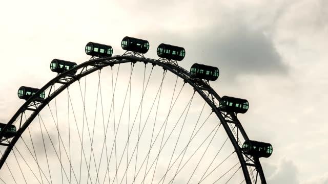 HD :Time -lapse (低速度撮影) シンガポールの観覧車