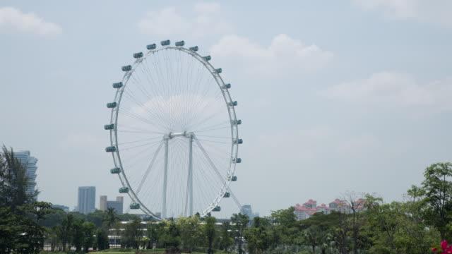 4 k timelapse : singapore flyer - big wheel stock-videos und b-roll-filmmaterial