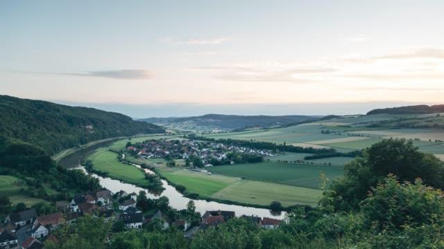 timelapse / sonnenuntergang in der rühler schweiz - sonnenuntergang stock videos & royalty-free footage