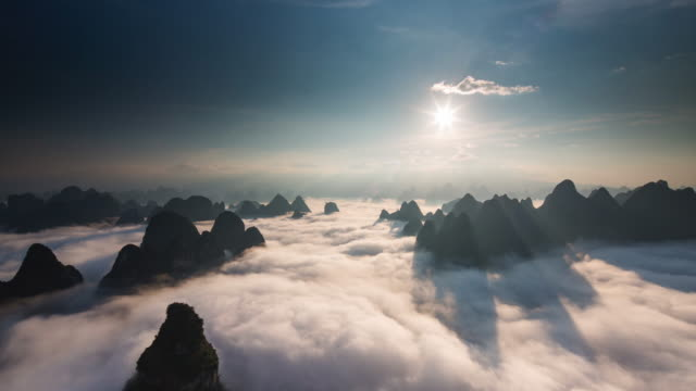 Timelapse sunrise above clouds part 3