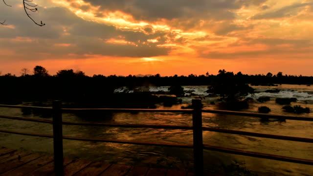 Timelapse zonsondergang Khone PhaPheng falls