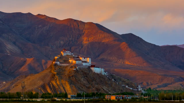 4K Zeitraffer Sonnenuntergang Szene der Gyantsie Festung - Tibet - China