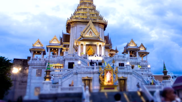 Time-lapse : Temple of the Golden Buddha (Wat Traimit)