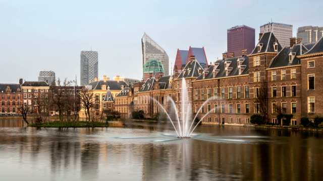 hd time-lapse: the binnenhof, house of parliament, hague netherlands sunset - binnenhof stock videos and b-roll footage
