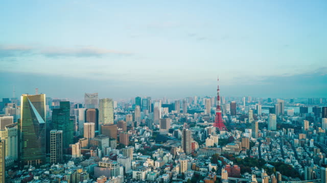 timelapse tokyo city mit tokyo tower - tokyo japan stock-videos und b-roll-filmmaterial