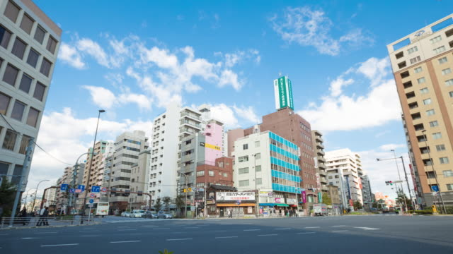 4 k タイムラプス: 浅草の東京スカイツリー。日本 - 商業地域点の映像素材/bロール