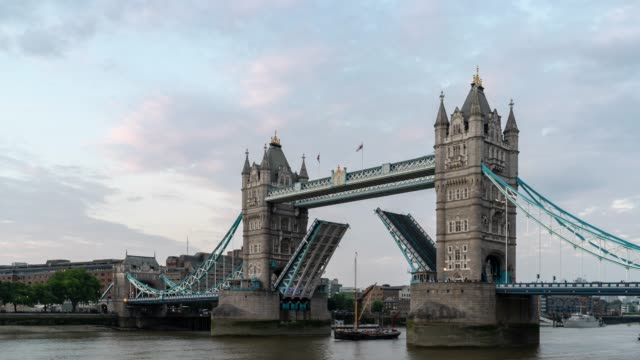 time-lapse: tower bridge in london england uk sunset night - tower of london stock videos & royalty-free footage