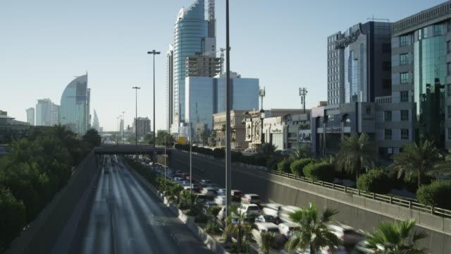 timelapse traffic flow on king fahd road in central riyadh, saudi arabia - riyadh stock videos & royalty-free footage