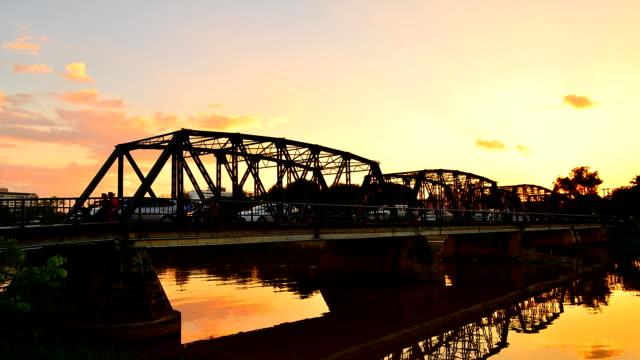 time-lapse: traffic on steel bridge at sunset twilight until night - ironbridge shropshire stock videos & royalty-free footage