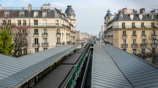 4K Time-lapse: Train approaching to Metro Subway station Paris