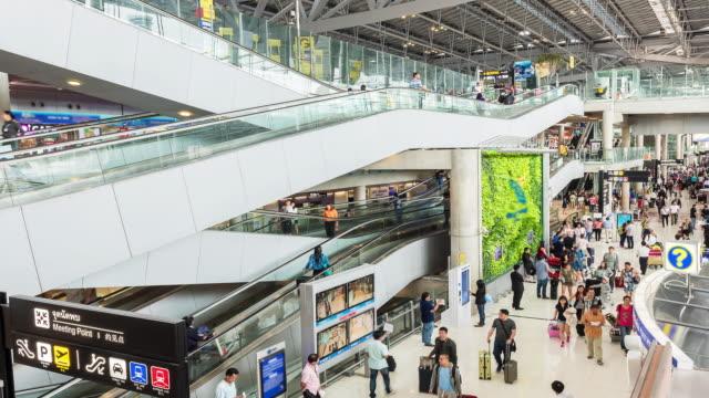 """Laps de temps : Voyageurs au Terminal des départs de l """"aéroport"""
