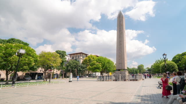 timelapse: traveler crowd at obelisk of theodosius in old town square istanbul turkey - obelisk stock videos & royalty-free footage