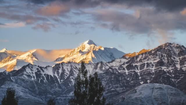 timelapse view mountain at leh  ladakh, jammu and kashmir, india - mountain ridge stock videos & royalty-free footage